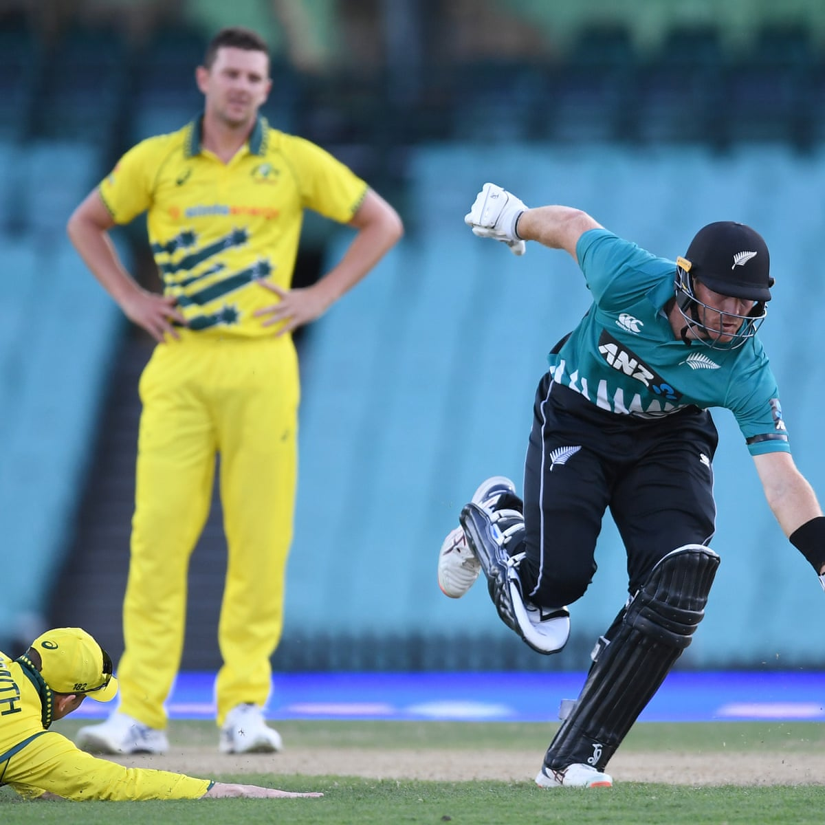 Australia defeated by New Zealand in second T20